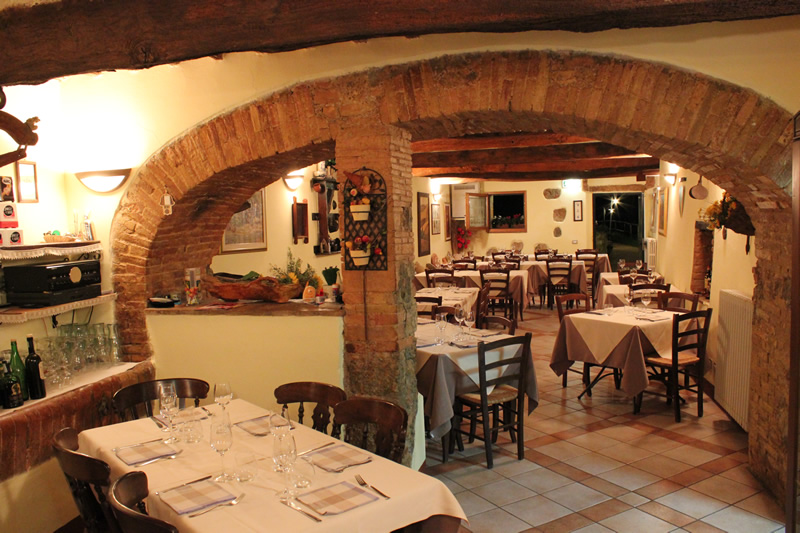 Farmhouse restaurant Tuscany  Poggiarello
