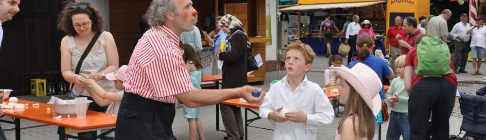 Poinger Marktsonntag Kinderprogramm mit Clown Pippo