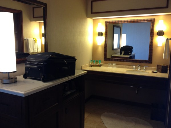 Hyatt Regency Maui Deluxe Oceanview Room Bathroom