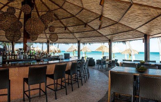 Holiday Inn Aruba Oceanside Bar & Grill