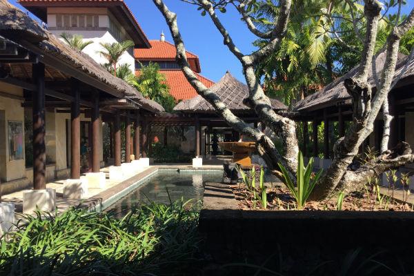 Conrad Bali rooftop shops