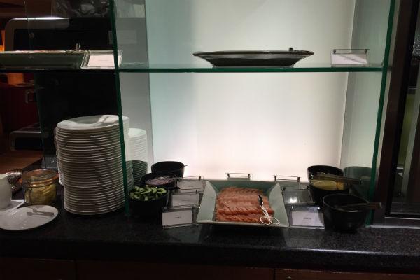 Club Lounge breakfast spread