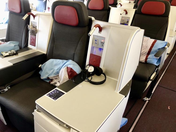 Austrian Business Class seat LAX - VIE