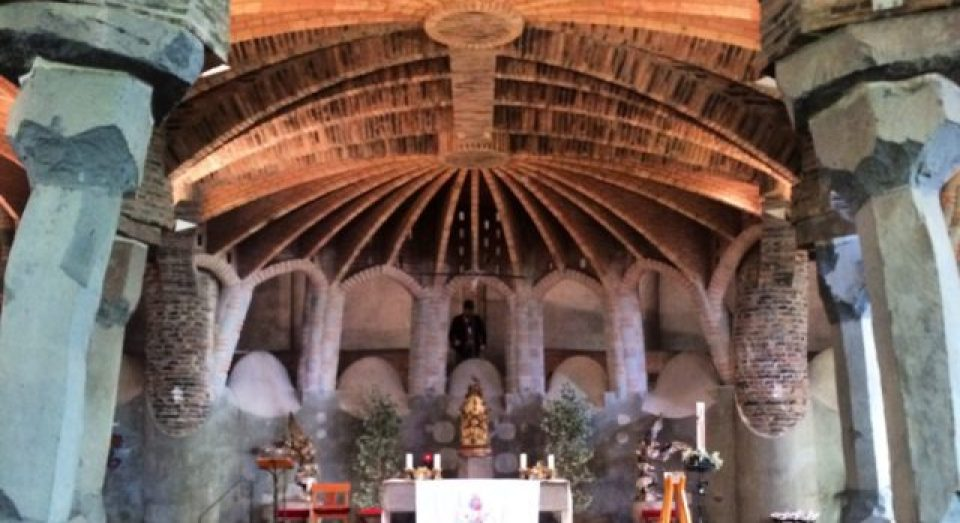 A day trip from Barcelona, Spain – Colonia Güell and Gaudi's Crypt