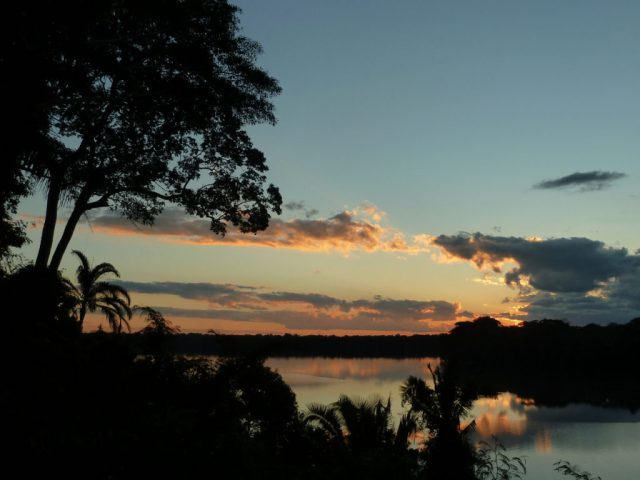 Coucher de soleil sur le lac Sandoval