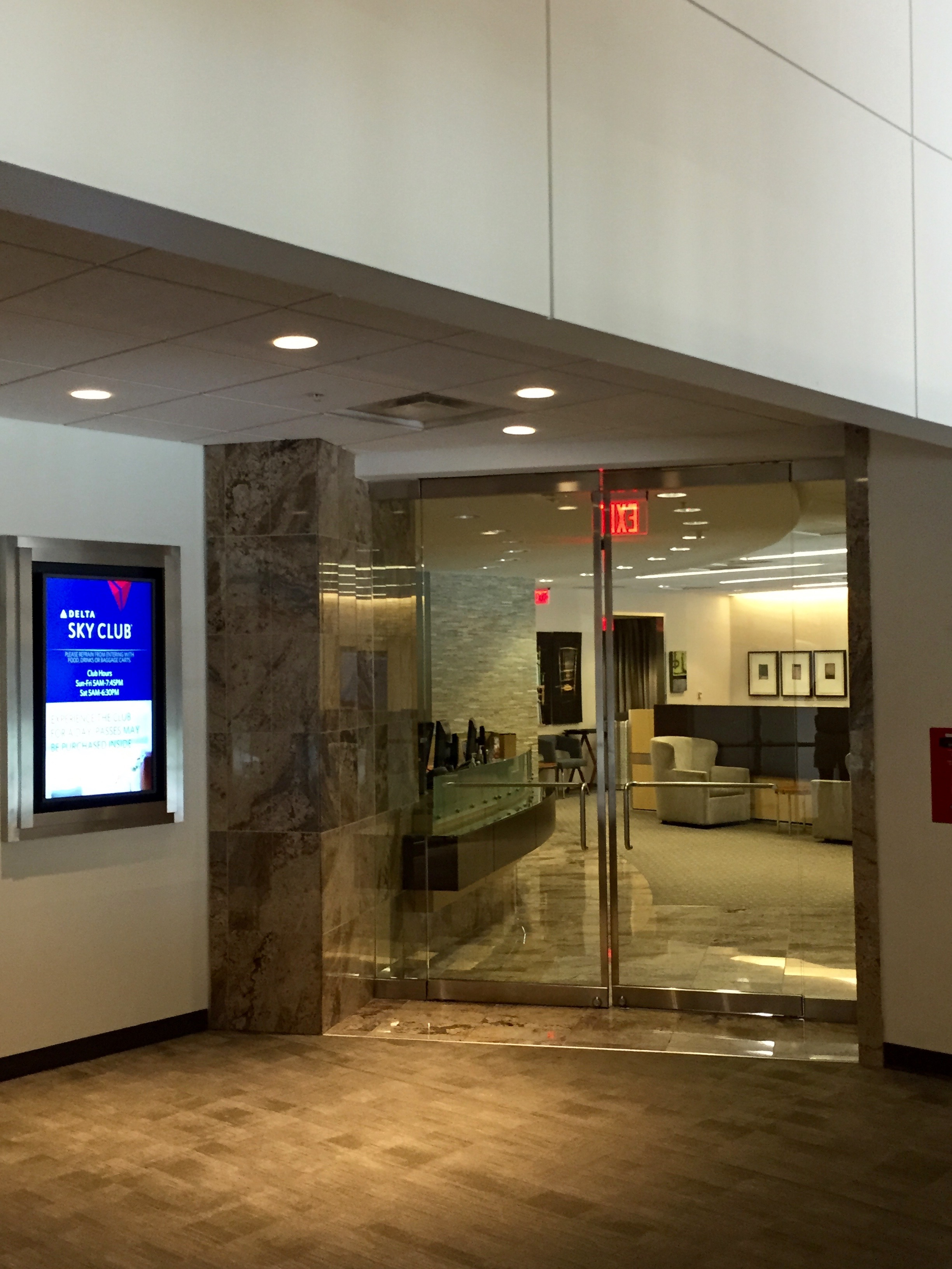 Lounge Review American Airlines Admirals Club Raleigh
