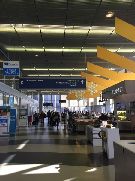 United Polaris Lounge ORD review business class chicago
