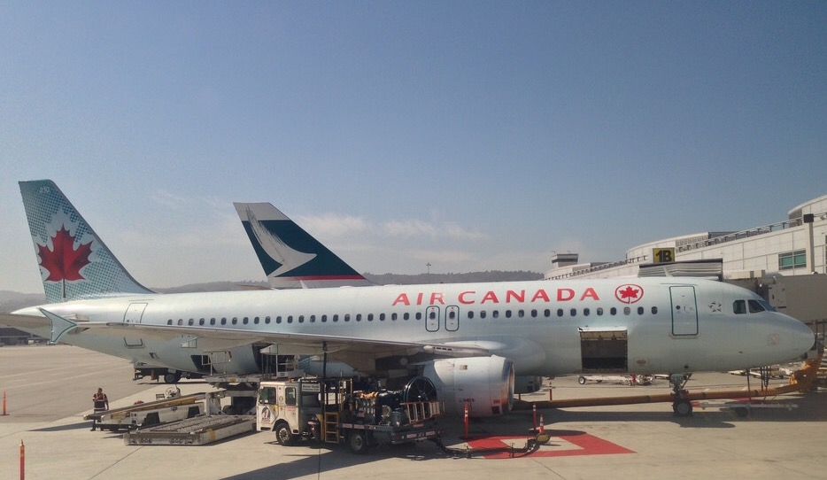 Air Canada and Cathay Pacific announced codeshare agreement - Points with a Crew