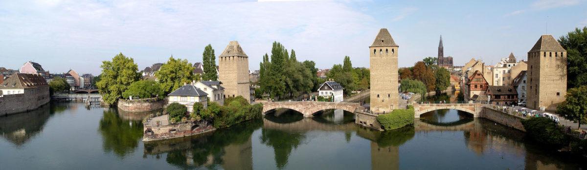 Strasbourg_-_Ponts_Couverts_vus_de_la_terrasse_panoramique