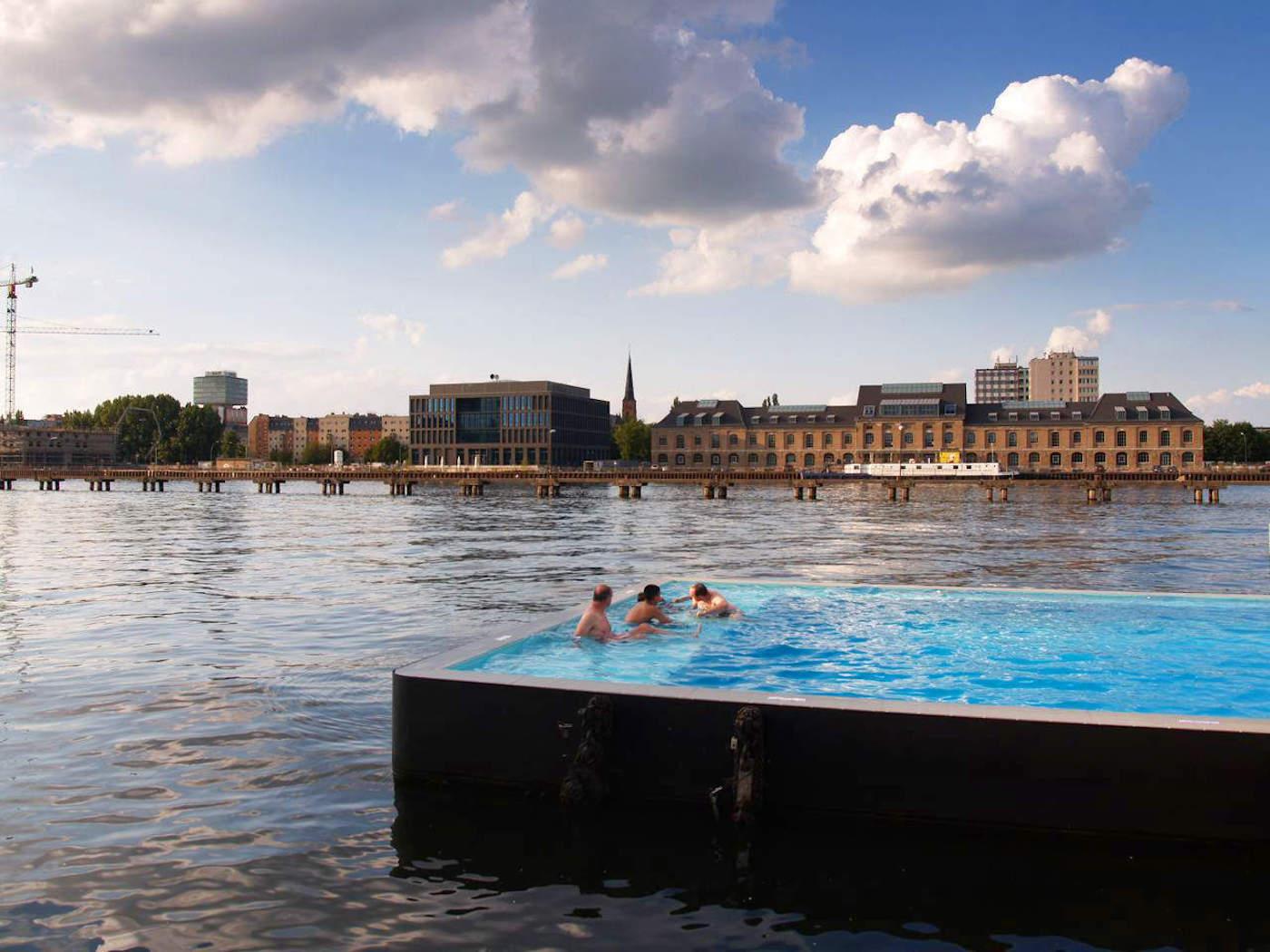 Strasbourg une piscine flottante bient t install e dans for Piscine 9eme