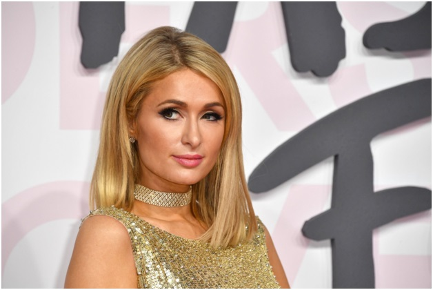 Paris Hilton banned from casino