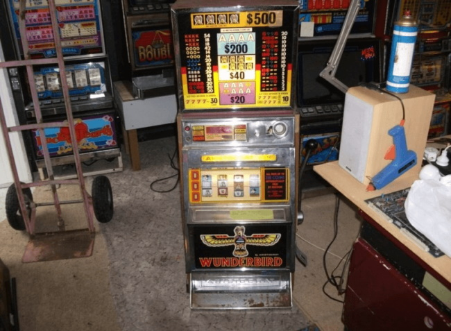 Find Pokies Machines at Auction Sites