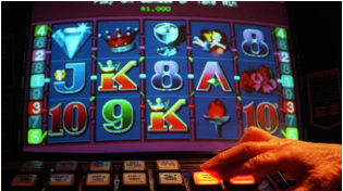When winning small on pokies increase bet?