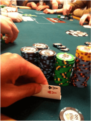 What kind of poker game should I play as a beginner?
