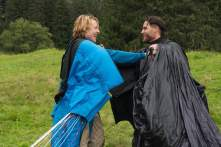 Point Break - Szenen - 05 Johnny Utah (Luke Bracey), Bodhi (Édgar Ramírez)