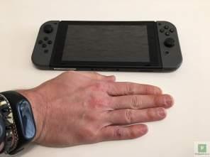 Grössenvergleich - Switch zu Hand