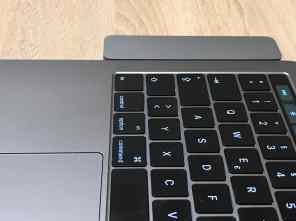 Am Notebook - Von der Tastatur
