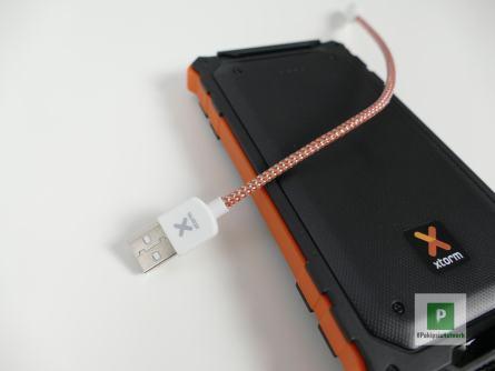 Das beigelegte Kabel