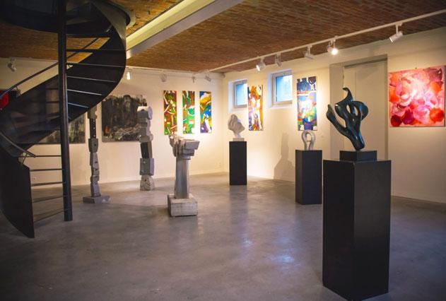 Oostenrijkse prinses komt kunstgalerij Jorg Van Daele