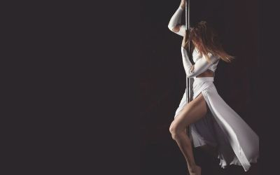 12 Sexy, Slow & Sensual Songs for Pole Dancing Routines