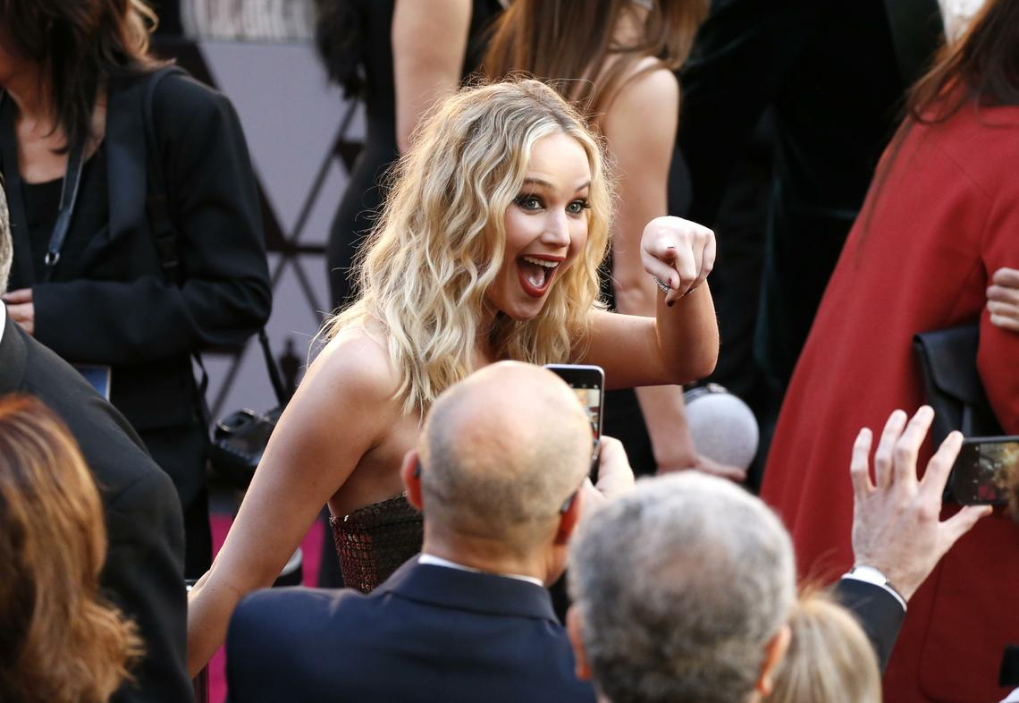 90th_Academy_Awards_-_Fan_Bleacher_Arrivals.1_t1140.jpg?fit=1140%2C786