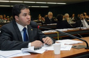 """efbanc12 300x196 - EFRAIM FILHO ESTÁ OBSTINADO: Convocação de Lula será votada nesta 5ª; """"Ele tem que se explicar"""""""