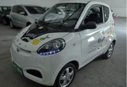 Carros elétricos compartilhados começam a rodar nas ruas do Recife