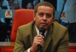 João Almeida confirma licença e afirma que Sérgio da Sac tem direito de assumir cadeira na Câmara de JP