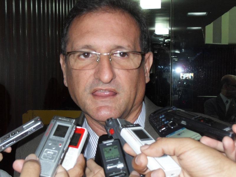 Hervázio Bezerra - Hervázio coloca 'panos quentes' em revolta de Ricardo Barbosa e defende postura do colega