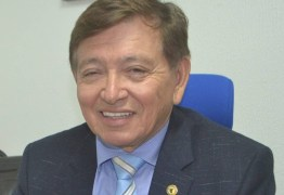 VEJA VÍDEO: Deputado deixa escapar que há possibilidade de sua esposa, ex-prefeita de Monteiro, ser candidata a deputada federal