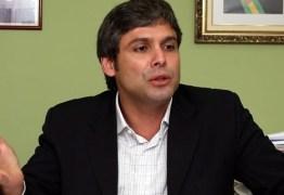 Lindbergh defende que Lula assuma cargo no Planalto sem foro privilegiado