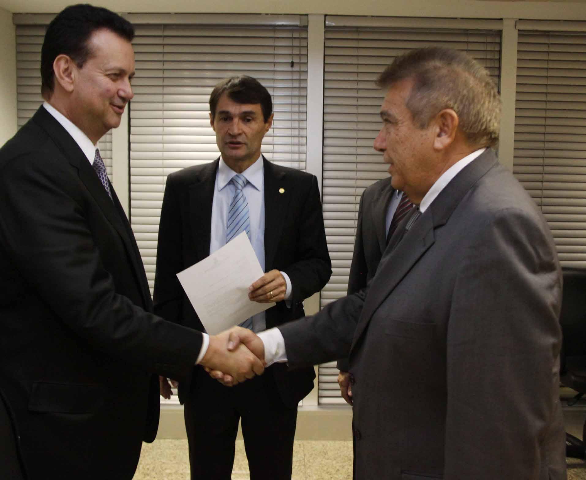 Renato e Kassab - Renato Gadelha se reúne com Ministro das Cidades e discute obra em Sousa