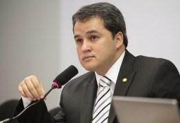 Efraim Filho solicita construção de novos aterros sanitários na Paraíba
