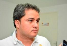 Efraim Filho volta a defender armamento da população 'para defender a família'