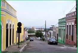 Associação realiza festa do Dia da Prostituta com apoio dos governos estadual e municipal