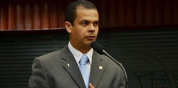 1438103631673 jutay e1439915385348 - Jutahy mantém apoio a Cartaxo e admite sair da base do governo na ALPB