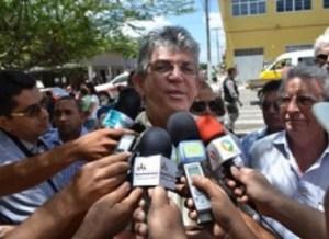 201508290526560000005841 300x218 - Em Guarabira, Ricardo diz que não coliga com o PMDB por que Raniery é oposição ao seu governo