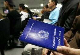 Recessão pode destruir até 4% das vagas com carteira assinada