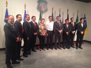 reunião Dilma 300x225 - Dilma reúne governadores do NE para discutir novas fontes de investimento na saúde