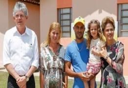 Ricardo Coutinho participa de solenidade com a Presidente e alfineta adversários: 'Aves de mau agouro!'