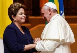 Para sair da crise política, marqueteiros querem que Dilma se inspire em conduta do Papa