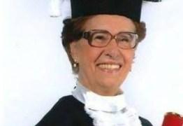 """Aposentada de 86 anos se forma em direito para """"ajudar os idosos"""""""