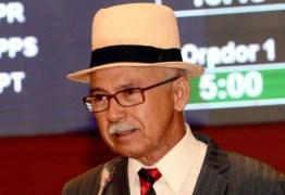 Deputado estadual do PC do B chama índios de 'bando de veadinhos'