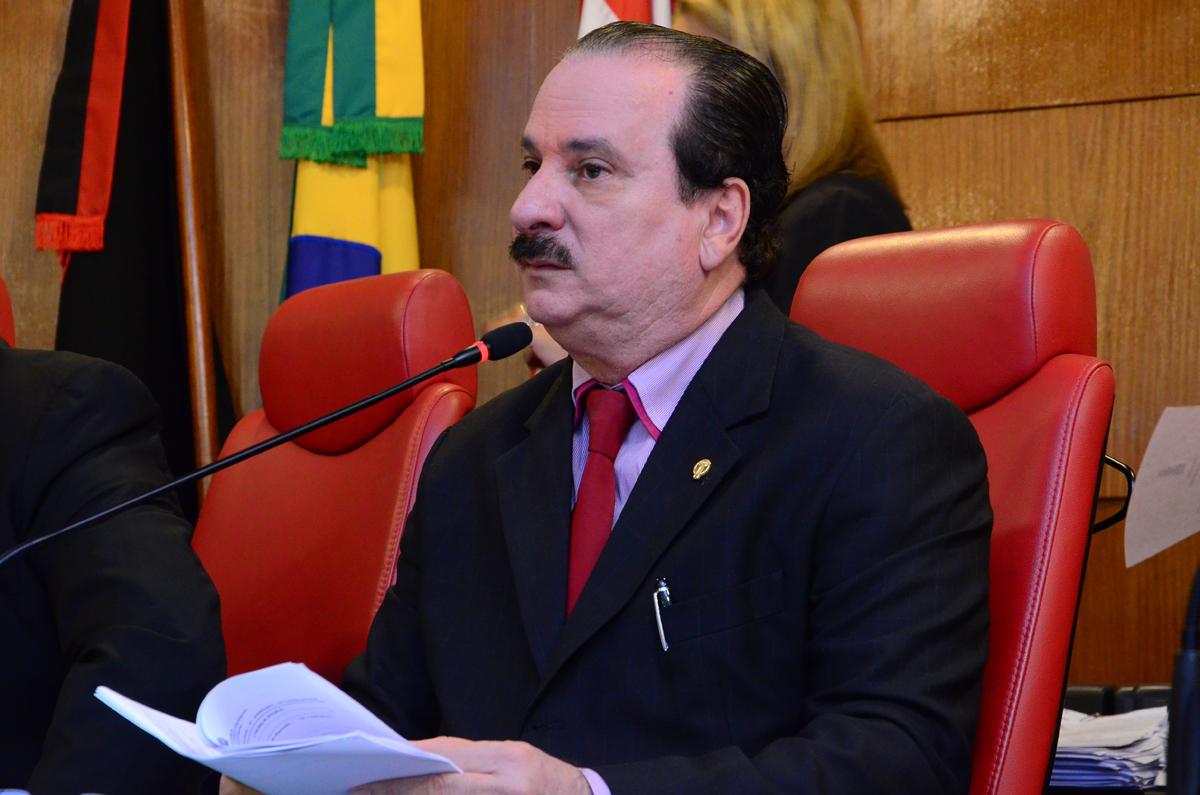 Preidente Durval Ferreira 8 - Durval contesta validade de assinaturas que pedem CPI da Lagoa