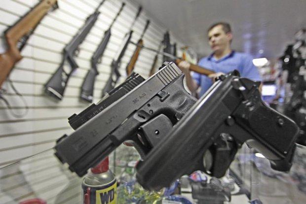 armas 020413 - Partido entra com ação no STF por novas regras para compra de armas