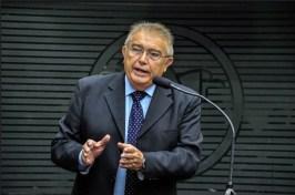 Renato Gadelha Tribuna 300x199 - FUMAÇA BRANCA: Deputados de oposição entram em consenso e reconduzem Renato Gadelha à liderança da bancada