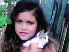 UM CRIME REVOLTANTE: Menina de 11 anos é encontrada morta em matagal com corpo carbonizado