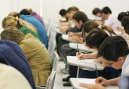 CENSO DA EDUCAÇÃO: Sobram vagas no ensino superior público e privado