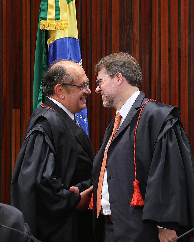 15279501 - PT aposta em novo TSE para salvar Dilma de cassação
