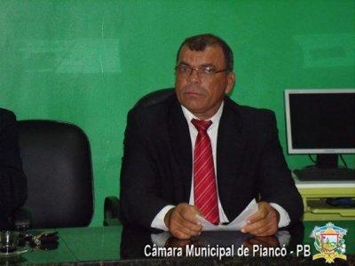 Pres Câmara de Piancó - Advogado rebate decisão de compra de bafômetro para Câmara de Piancó